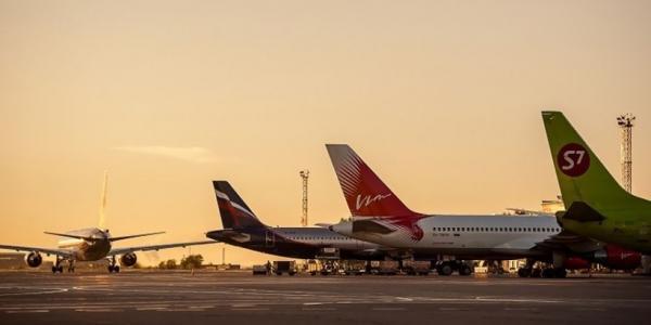 Аэропорт Толмачёво перешёл на летнее расписание